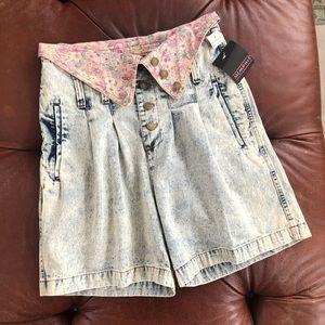 Vintage Ultra High Rise Acid Wash Pleated Shorts 9